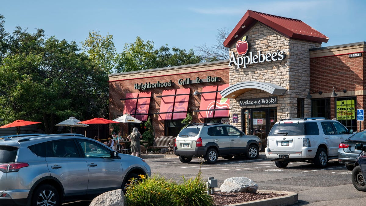 Would you like a side of fries with your riblets? Applebee's is testing a drive-thru
