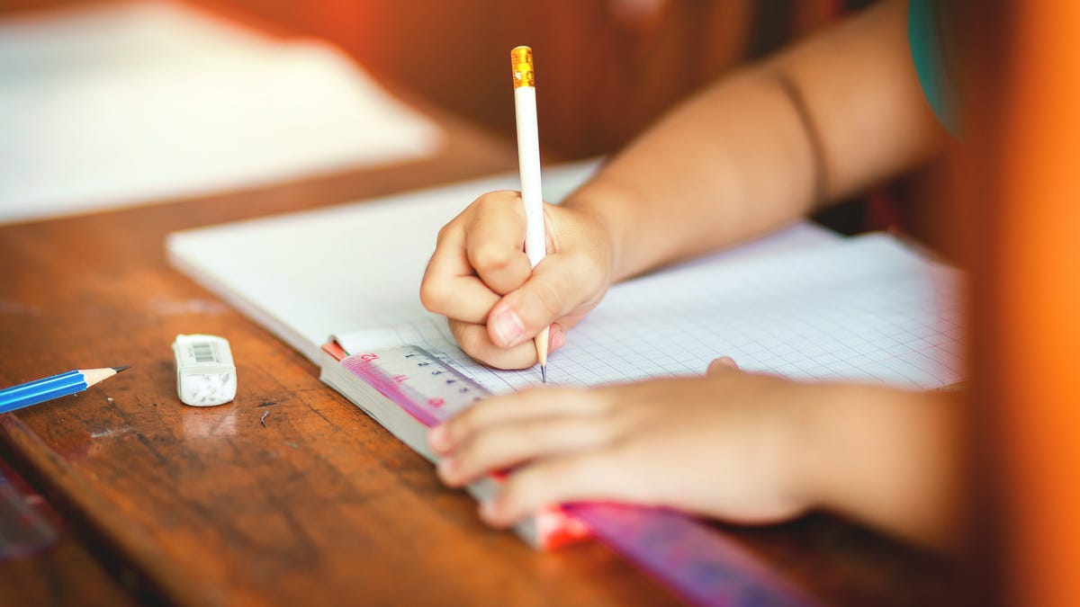 The Easiest Way to Teach Your Kid to Hold a Pencil