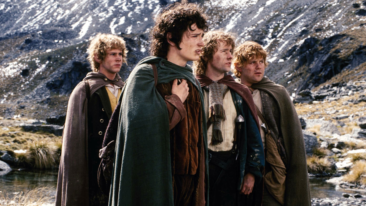Josh Gad, Who Never Sleeps, Reunites Lord of the Rings Cast For Latest Zoom Reunion