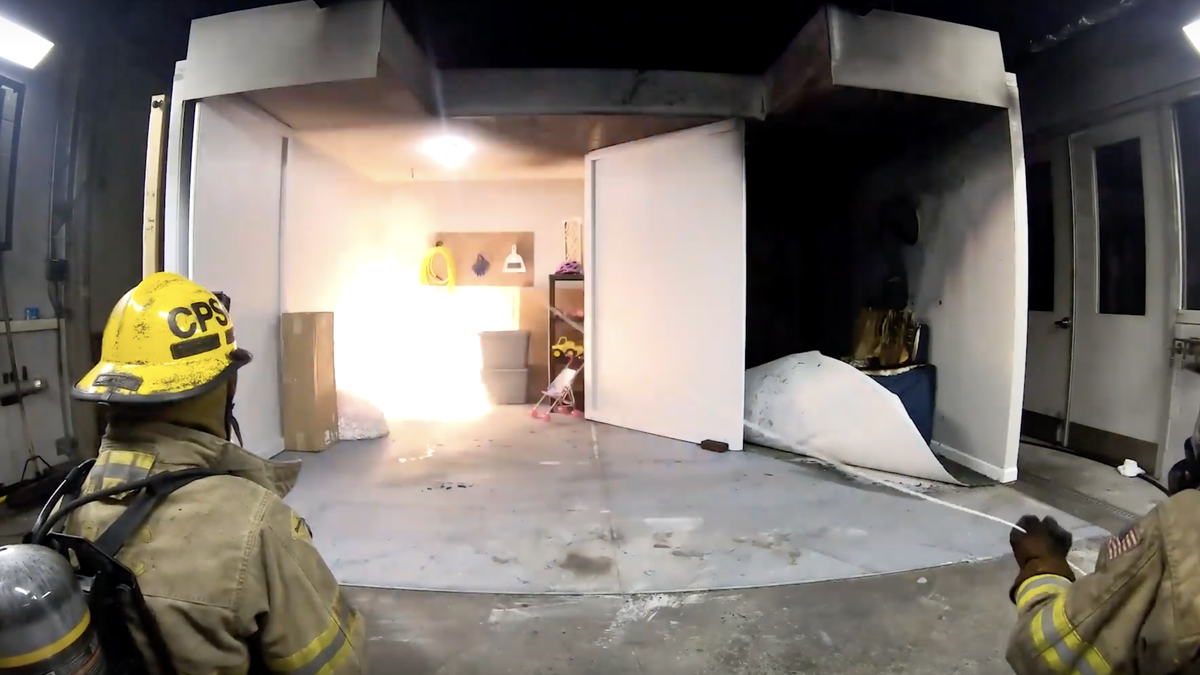 Watch How Easily a Turkey Fryer Can Set Your House on Fire