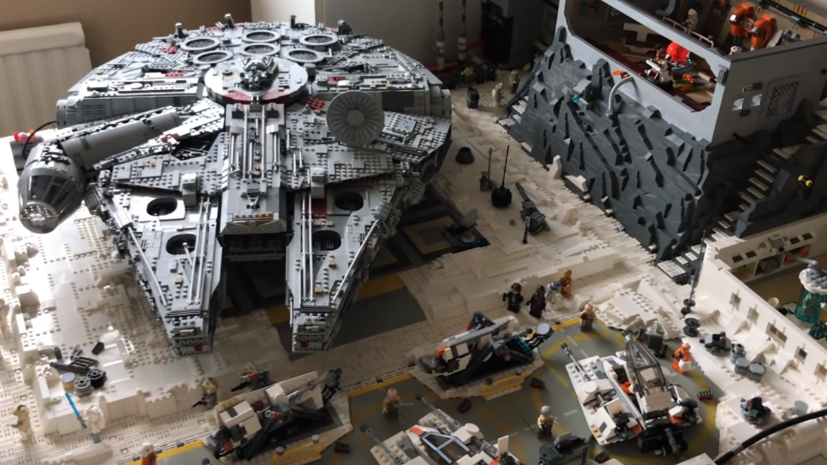 This Custom Lego Version of Echo Base Is Ready for the Empire's Siege