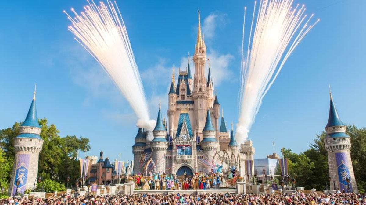 Los trucos de Disney World para hacer que las colas parezcan cortas
