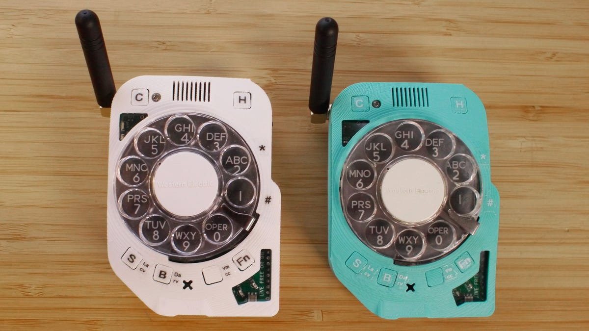 You'll Soon Be Able to Buy That Distraction-Free Rotary Dial Cellphone