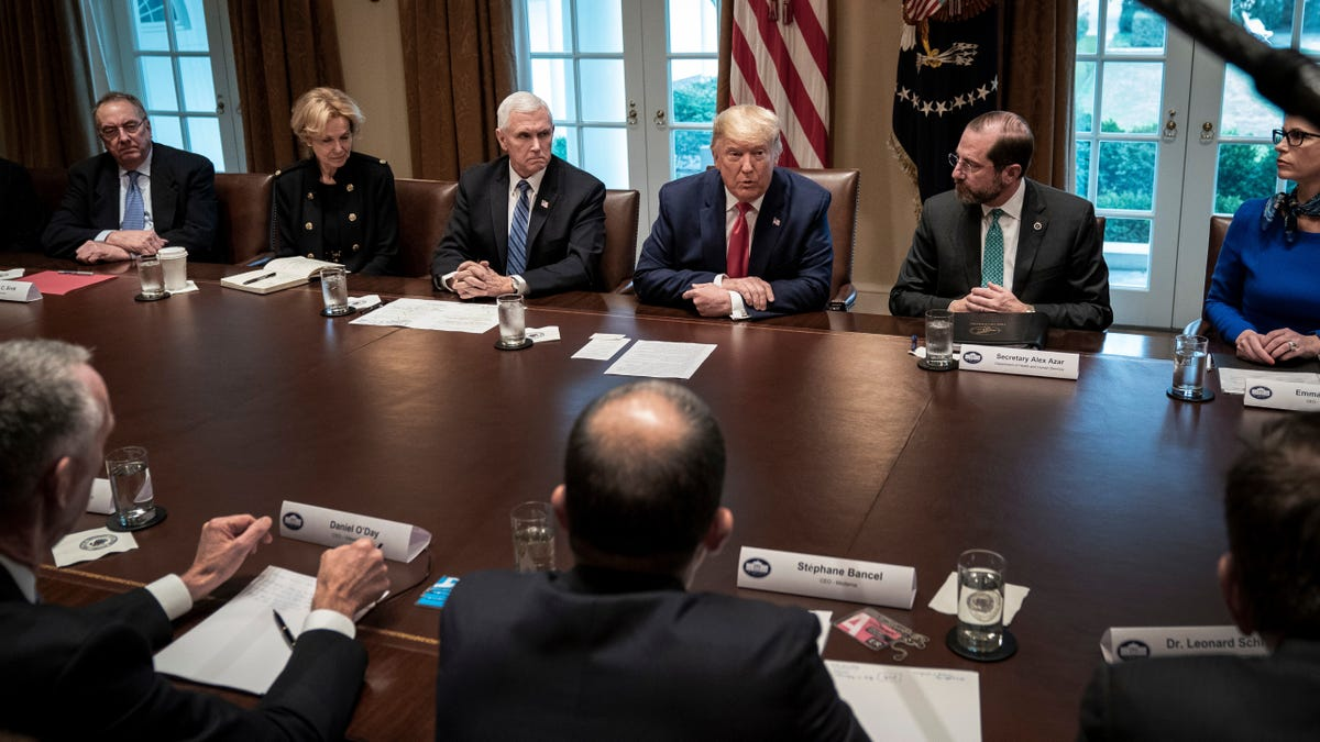 'Frankly Frightening': Dems Slam Trump's Coronavirus Response, Urge Filling Long-Vacant Health Posts