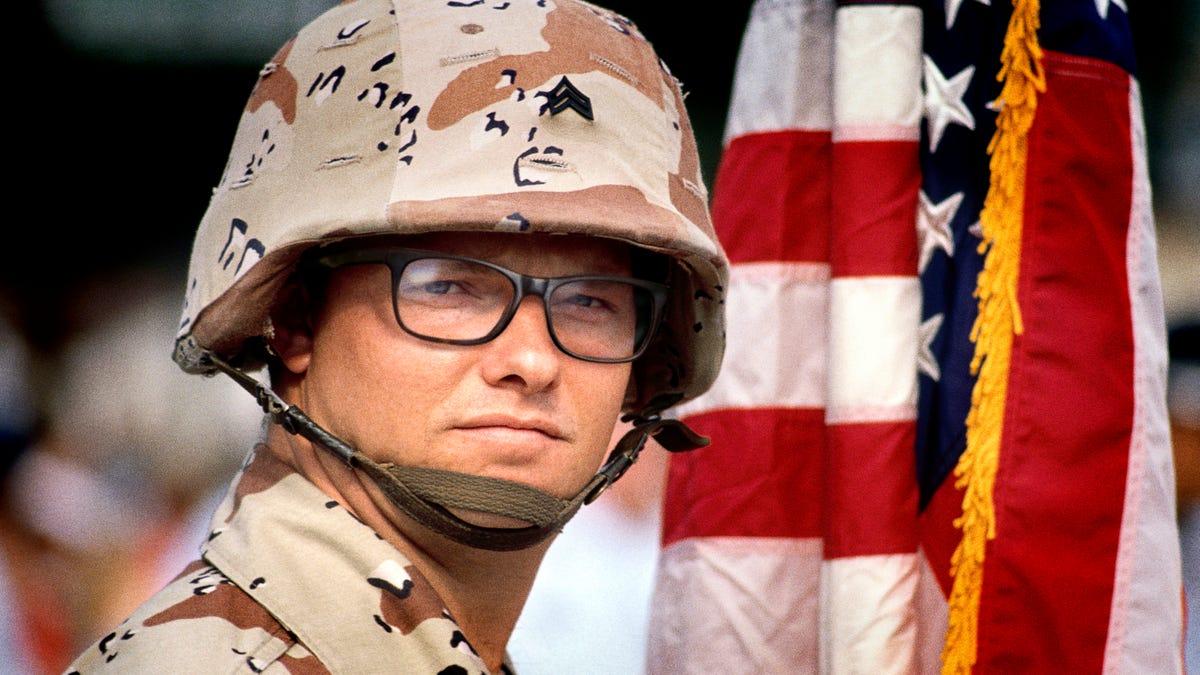 Στρατός Τύπο Που Φοράει Γυαλιά