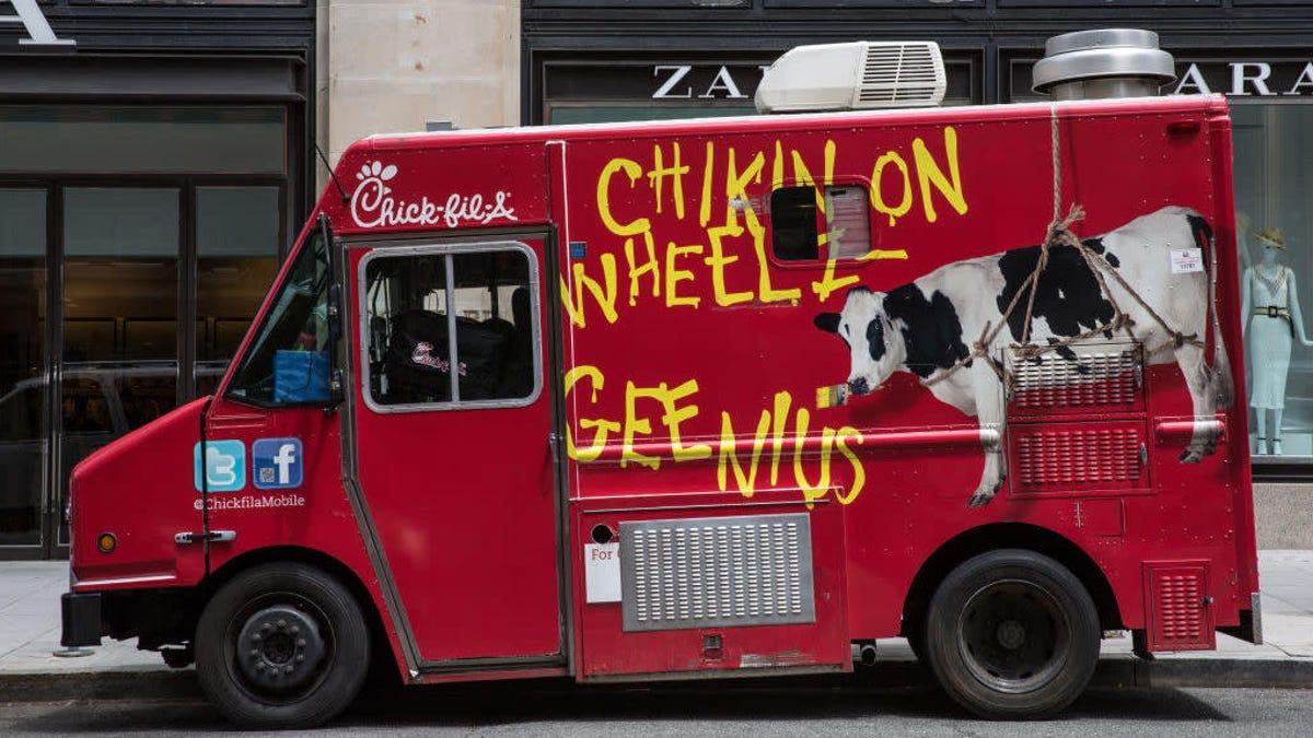 Chik-fil-A launches small fleet of food trucks