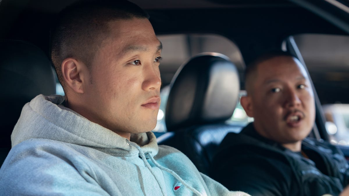 Eddie Huang's high school basketball melodrama Boogie bricks most of its shots - The A.V. Club