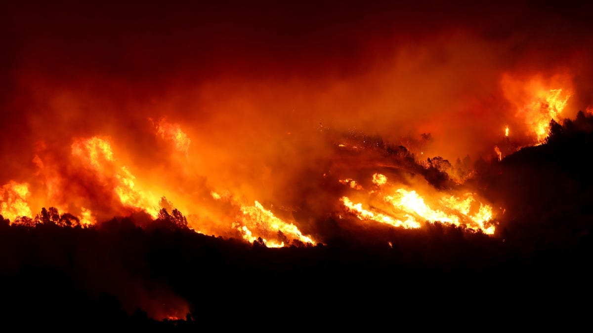 The Kincade Fire Explodes in Wine Country Where a Blackout Was Scheduled
