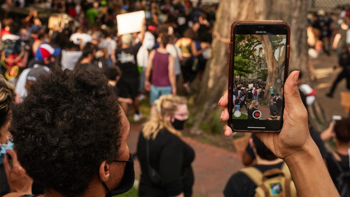 The Phone Settings You Need to Know Before Protesting