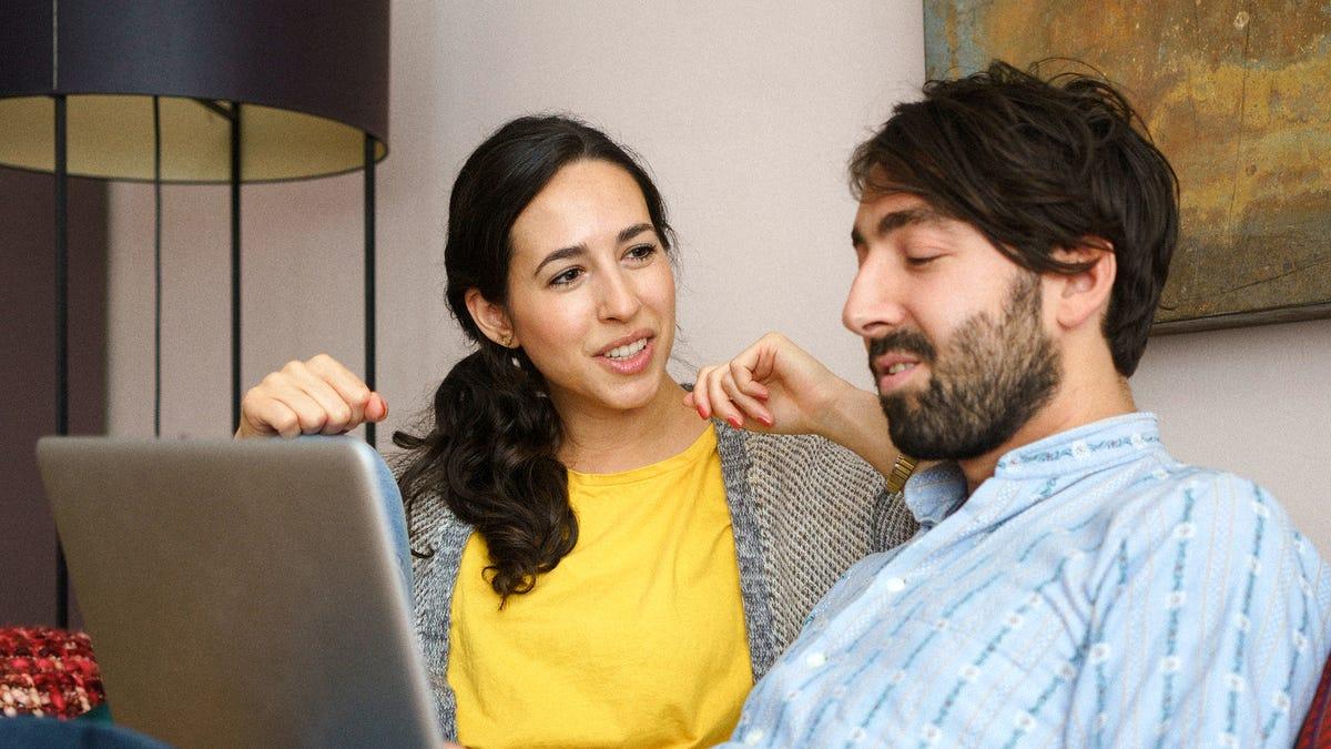Melelahkan Setiap Cara Lain Untuk Menghabiskan Waktu, Pasangan Dimulai Peringkat Mereka Lampu