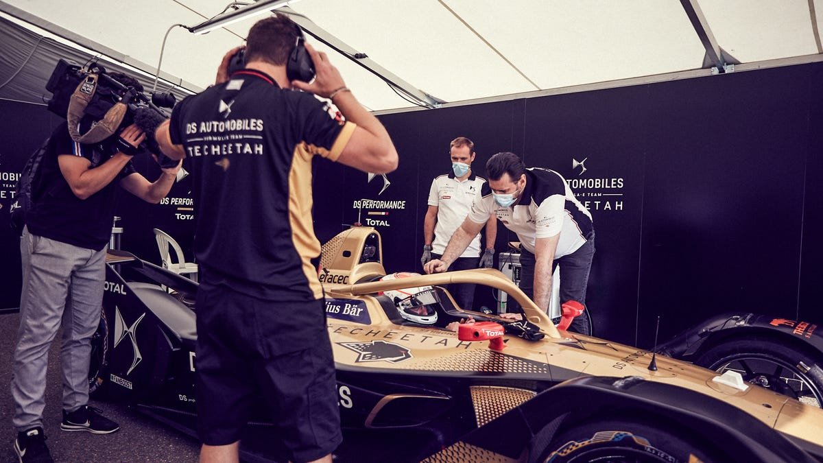 Notoriously Inexpensive Formula E Is Getting Even Cheaper