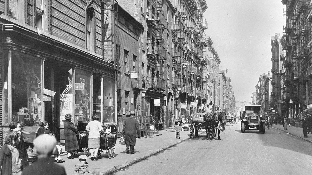 The Lower East Side Housewives Who Wrote the Militant Playbook