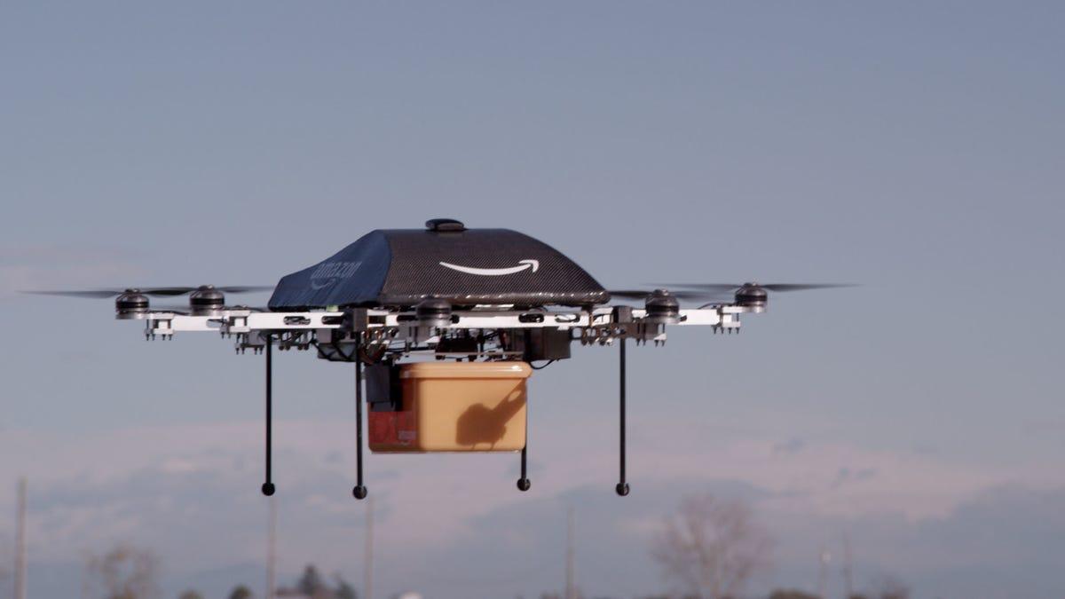 Stanford propone que los drones de reparto viajen sobre los autobuses para ahorrar batería