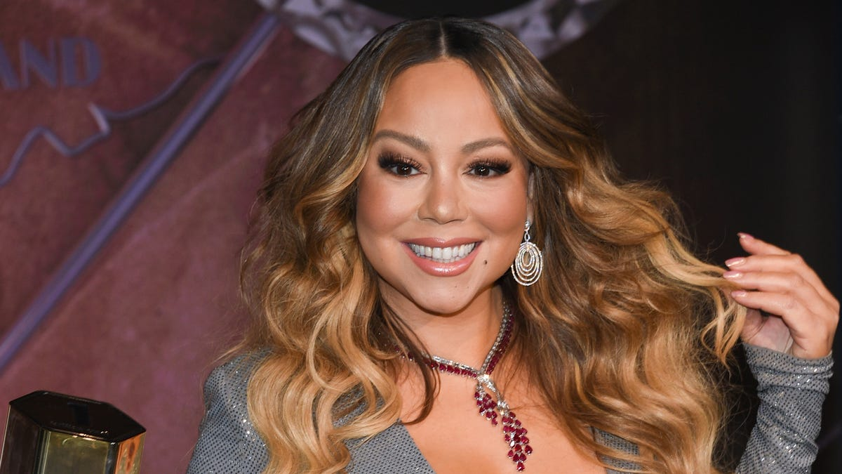 Look at Mariah Carey—She's the Christmas Captain Now With the Longest-Running No. 1 Billboard Holiday Song