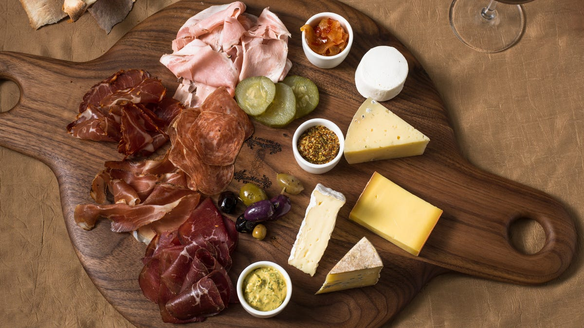 Twitter implodes over a charcuterie board