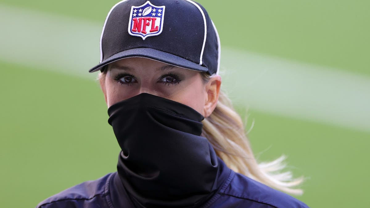 Sarah Thomas provides a bright spot on a bad day for women in sports