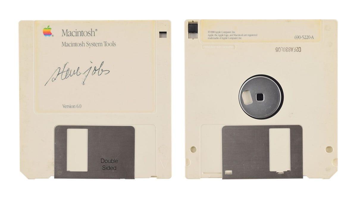 ¿Tienes un autógrafo de Steve Jobs? Puede valer entre 5000 y 50.000 dólares