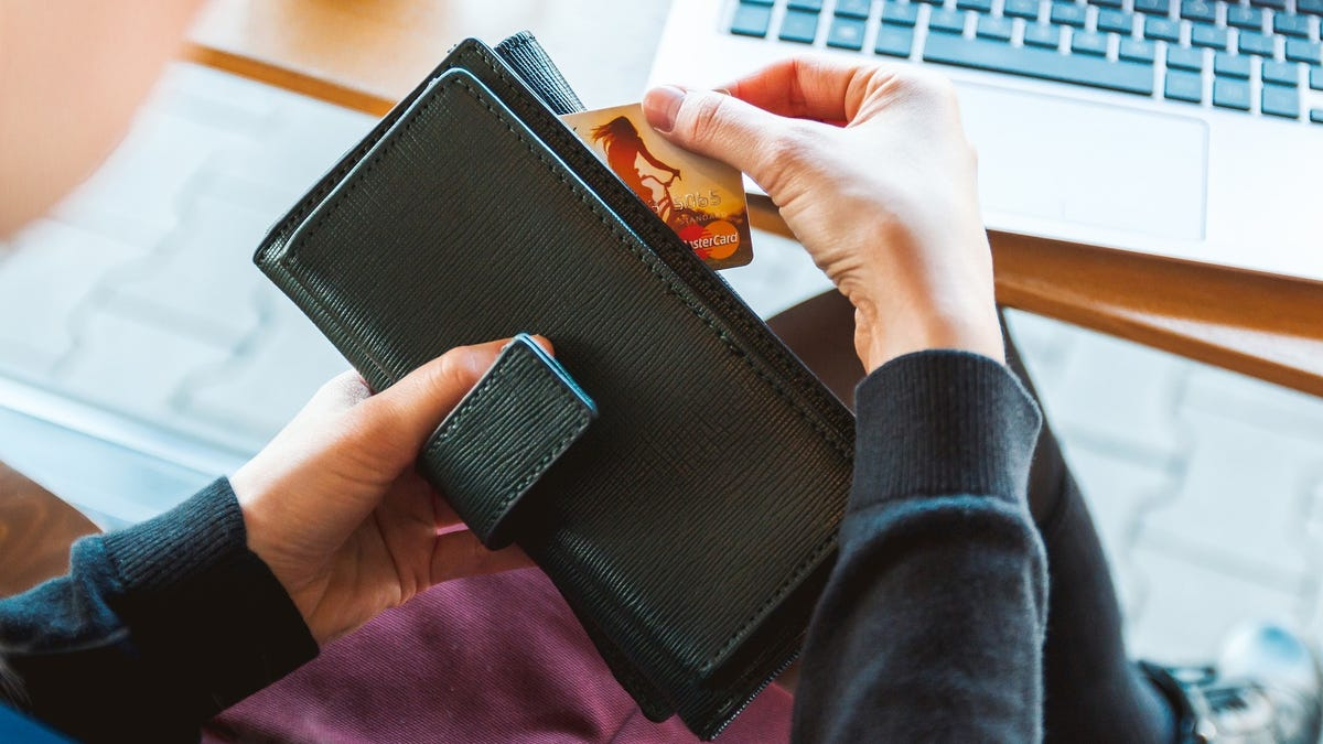 How to Tell If Your Credit Card Is Worth the Annual Fee