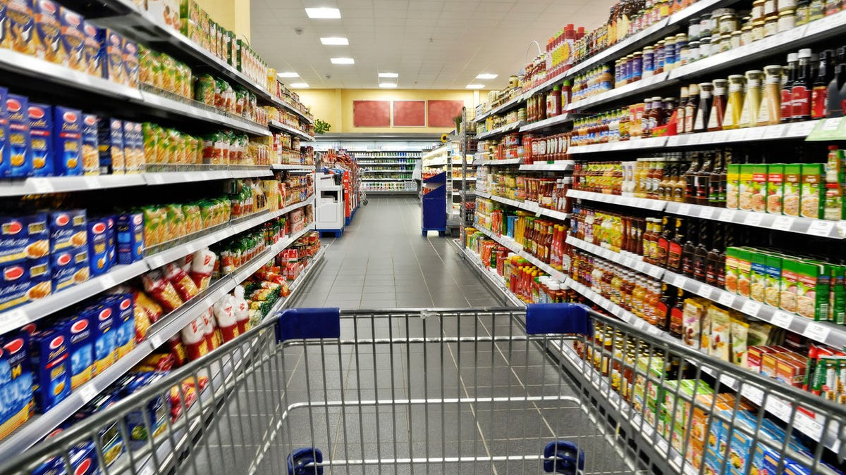 Grocers declare independence from Big Food
