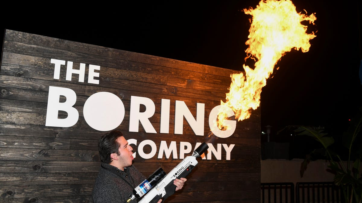 "Elon Musk's ""Not A Flamethrower"" Was a Indeed Flamethrower Say Cops – Gizmodo"