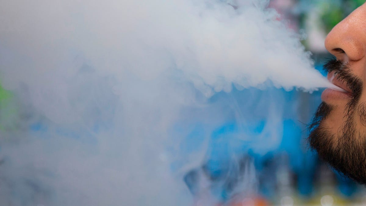 gizmodo.com - Ed Cara - Vaping Puts an 'Incredible Amount of Stress' on Mouth Bacteria