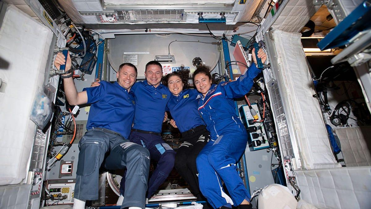 La NASA busca nuevos astronautas para sus misiones a la Luna. Estos son los requisitos y el salario