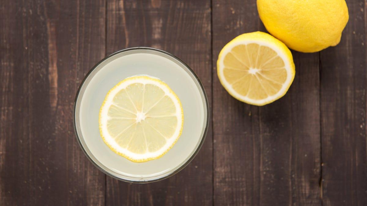 Cách làm một ly nước chanh