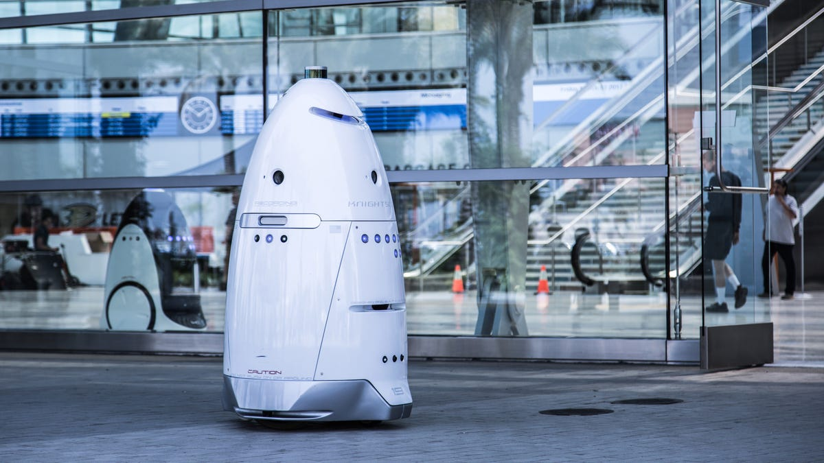 Useless Police Robot Fails to Call For Help When Needed
