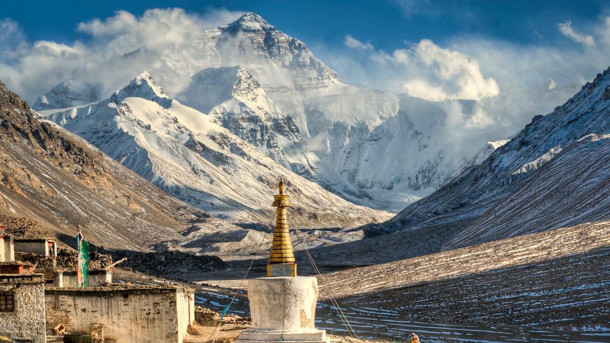 El Monte Everest ahora es visible desde Katmandú (Nepal) a 200 km