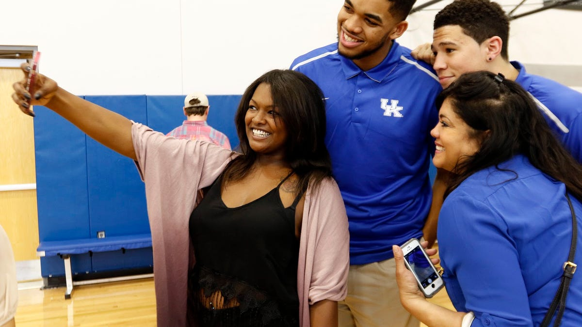 Karl Anthony-Towns tells of unimaginable loss of six family members due to COVID-19
