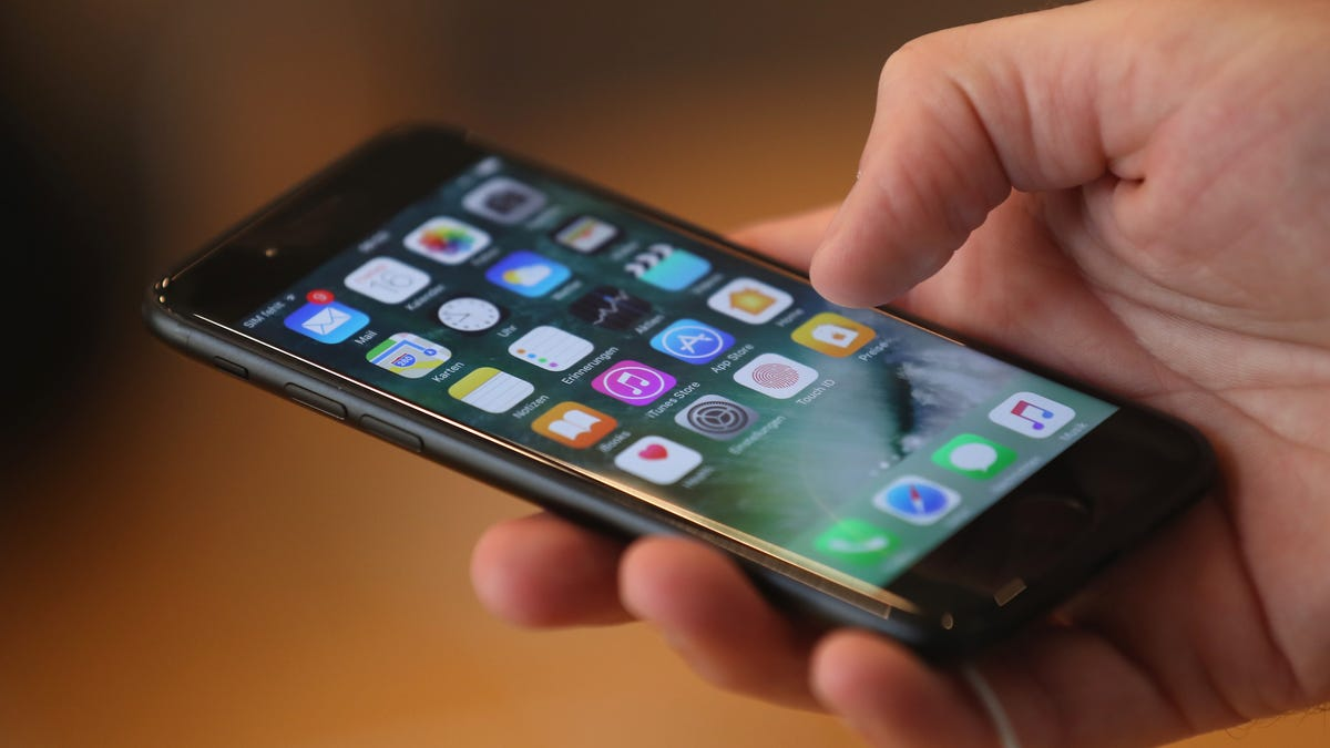 Woman Allegedly Called 911 After Her Parents Cut Off Her Cell Phone Service