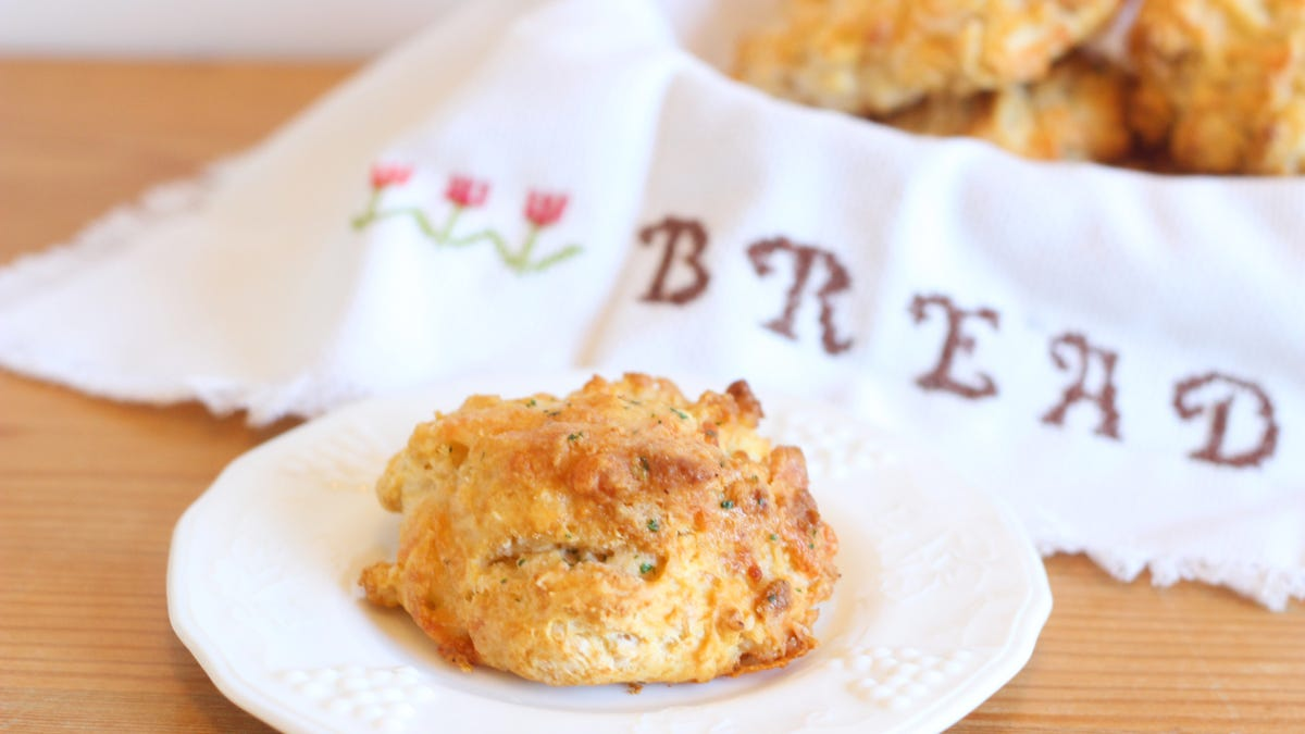 These Cheddar Biscuits are Better Than Red Lobster's