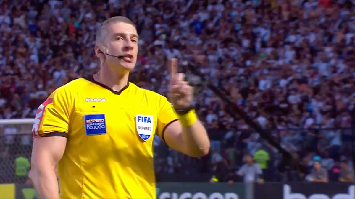 Brazilian Referee Becomes Second Ref This Month To Stop Match Due To Homophobic Chants