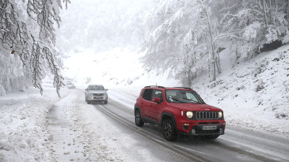 How To Use Your Handbrake To Improve Your Winter Driving