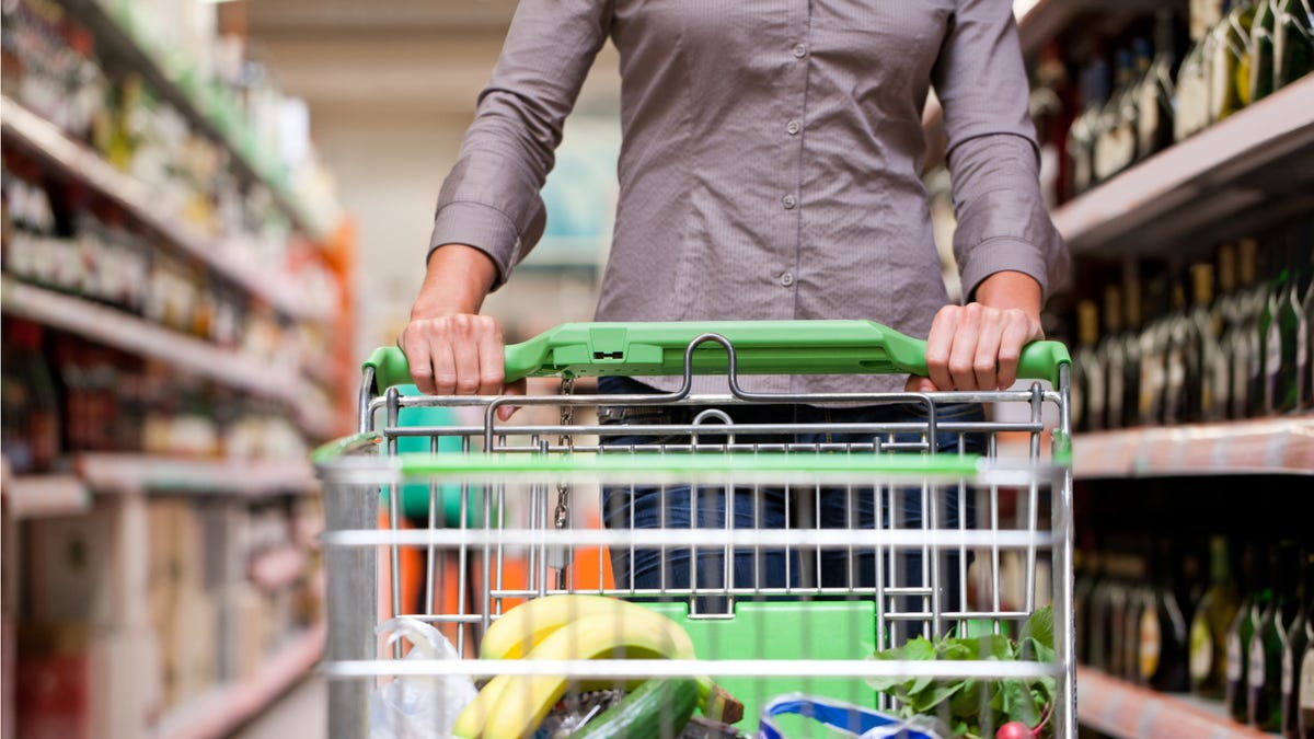 How to Help Your Neighbors Get Groceries During the Shutdown