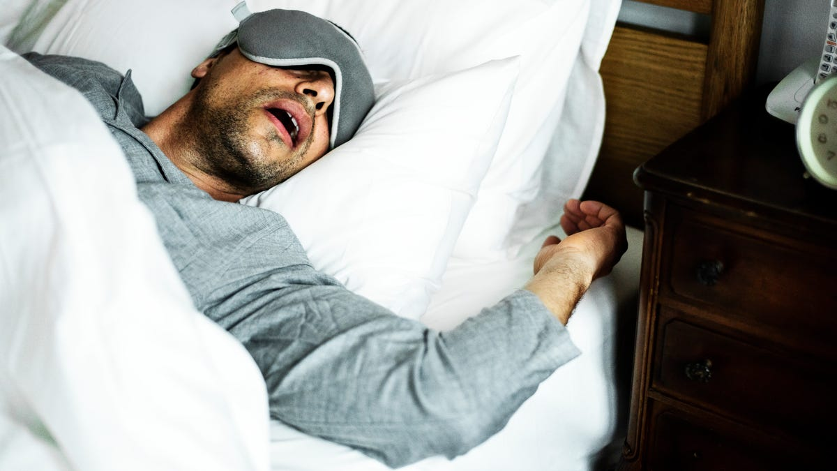 How to Sleep Better, According to Reddit