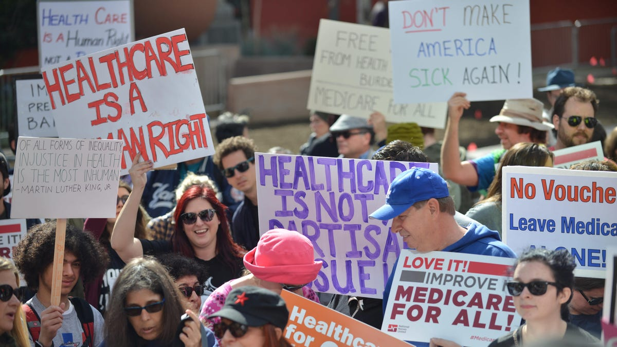 Why a Major Doctors' Organization Has Endorsed Single-Payer Health Care