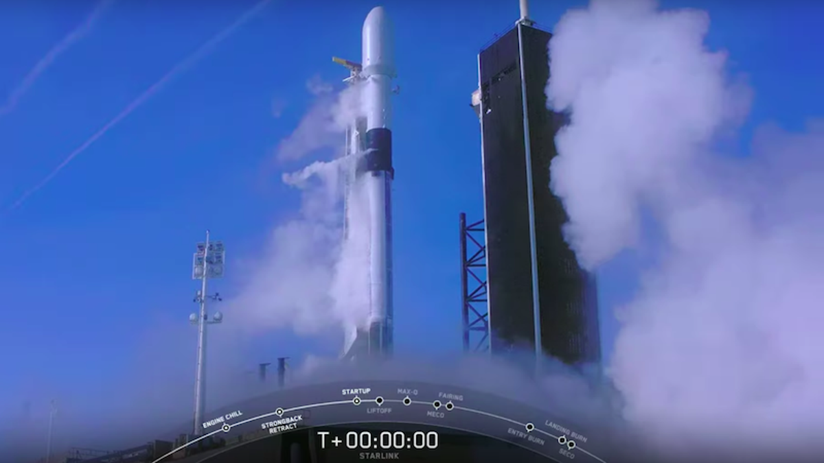 Image of article 'Watch: This SpaceX Rocket Aborted Its Launch at the Last Second'