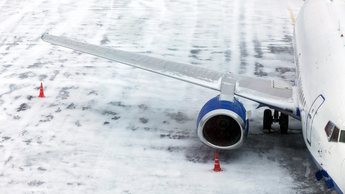 Avoid Some Winter Storm Flight Delays This Weekend By Changing Your Flight For Free