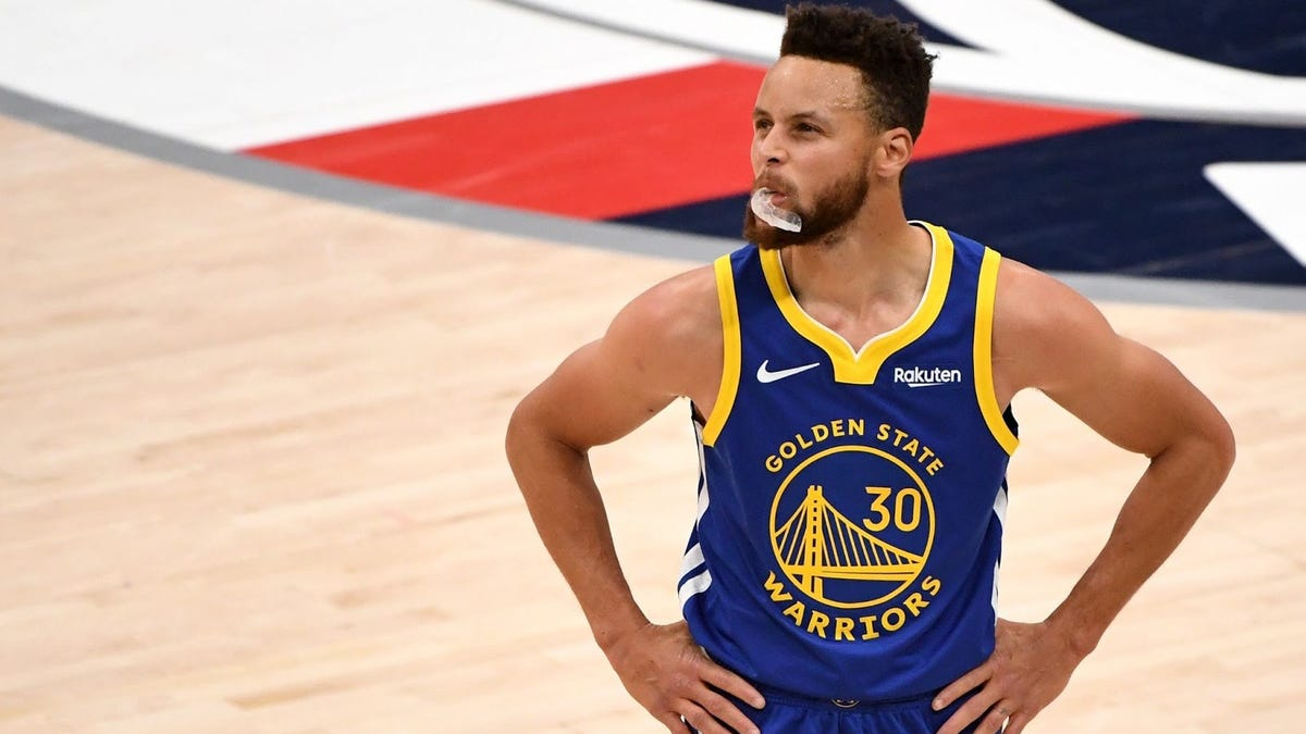 Warriors Announcers blatantly disrespect Steph Curry after rare defensive play