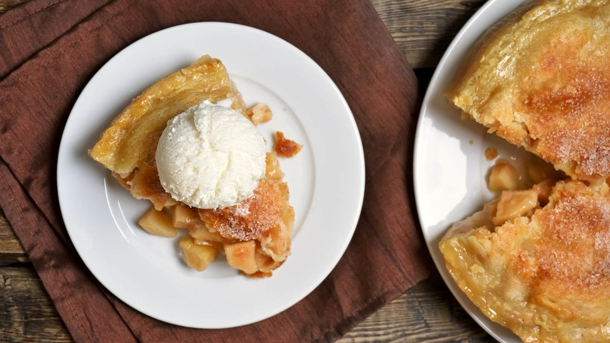 Point/counterpoint: Is pie better warm or cold?