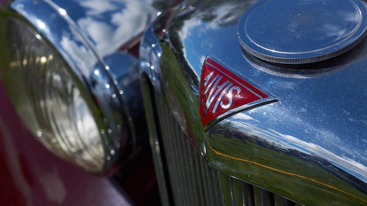Hace 100 años esta empresa con nombre extraño comenzó a fabricar autos de vanguardia