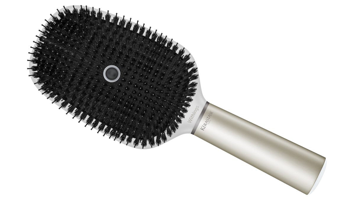 L Oréal S Smart Hairbrush Knows More About Your Hair Than Your Salon Does