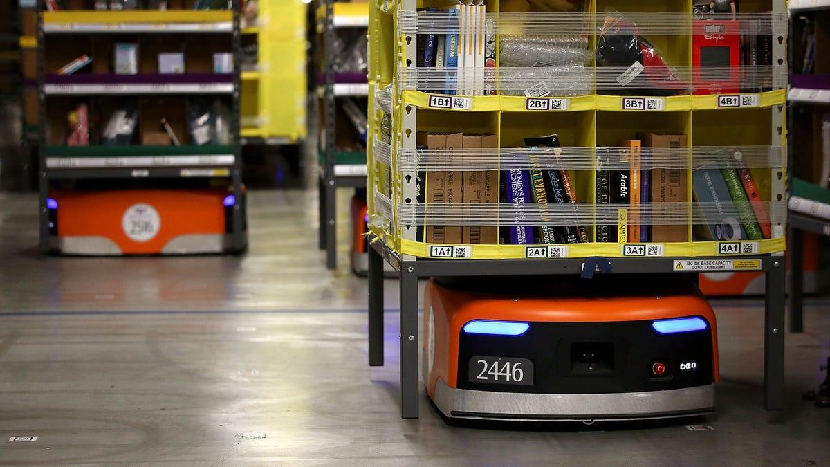 Amazon Ανακοινώνει Απεριόριστο Χρόνο, Αυξημένα Οφέλη Για Την Υγεία Για Όλους Αποθήκη Ρομπότ