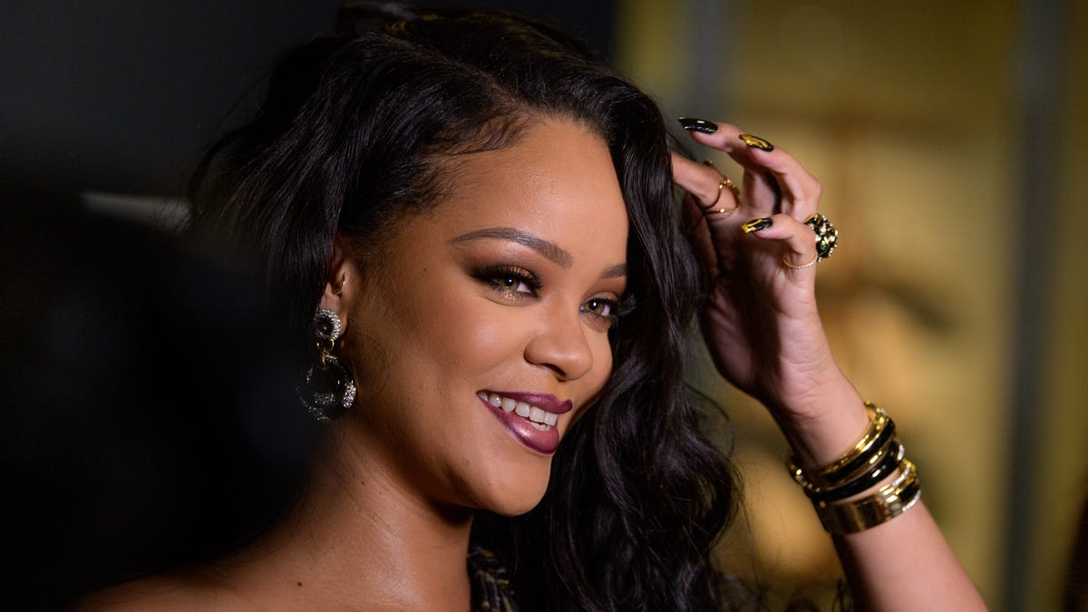 Sure, You Can Ask Rihanna About Getting Pregnant—If Your Name Is Anna Wintour