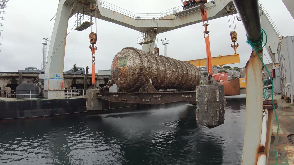 Microsoft's Underwater Data Center Rises From the Seafloor a Grimy Suc... image