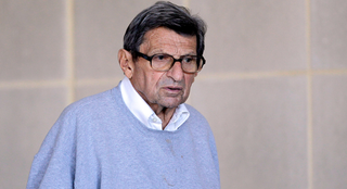 Joe Paterno Dies In Hospital; Doctors Promise To Tell Their Superiors First Thing Tomorrow