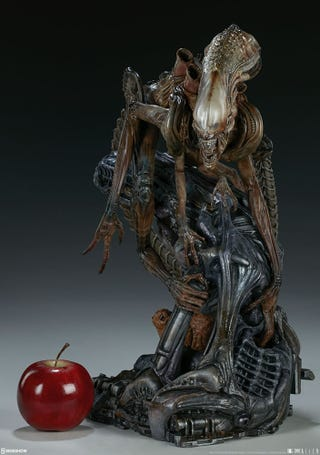 "Ah, the good ol' ""apple for scale"" Sideshow picture."