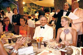 $700 Billion Bailout Celebrated With Lavish $800 Billion Executive Party