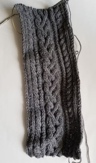 Current progress on the scarf, I'm about 100 rows in at this point.